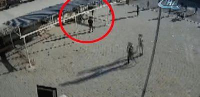 Öğretmenin öğrenciyi dövdüğü anlar kamerada