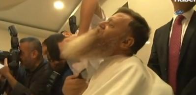OHAL bitti, sakalını kestirdi