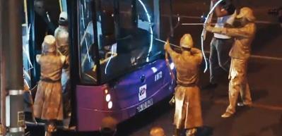 Okçular bu kez trafikte İstanbulluları şaşırttı!