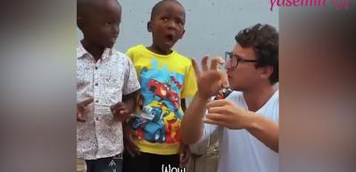 Ömürlerinde ilk defa çikolata gören çocukların şaşkınlıkları!