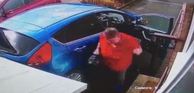 Otomobiline bakım yaparken hayatının şokunu yaşadı!