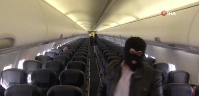 Özel harekattan uçakta nefes kesen rehine kurtarma operasyonu!