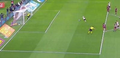 Panenka penaltısını gole çeviremedi! Rezil oldu...