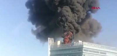Pekin'de Google'ın da ofisinin bulunduğu kulede yangın