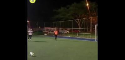 Penaltı kurtaran köpek fenomen oldu