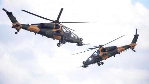 ATAK helikopterlerinden harmandalı şov