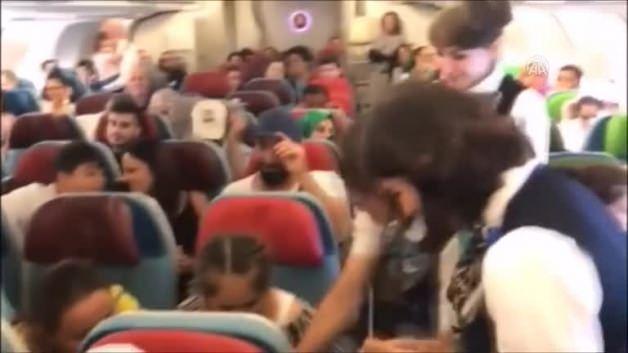 THY'den uçakta alkışlanacak hareket