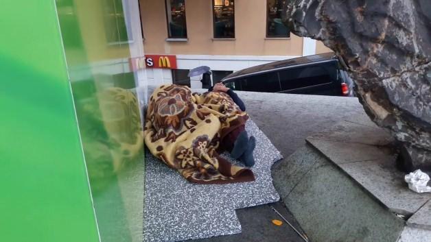 Taksim'in göbeğinde iç acıtan görüntü
