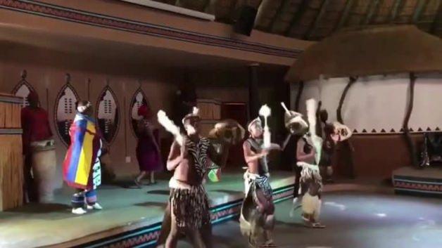 Zulu Kabilesi'nin dansı ilgi odağı oldu