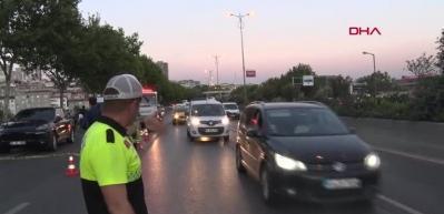 Polis lüks aracı ateş ederek durdurdu