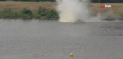 Polonya'da akrobasi uçağı düştü