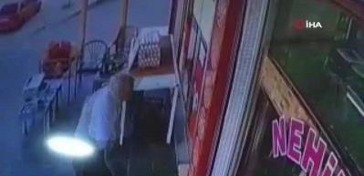 Pompalı magandaların hedefi olan yaşlı adamın vurulma anı kamerada