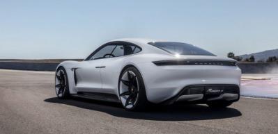 Porsche'den yeni harikasına Türkçe isim