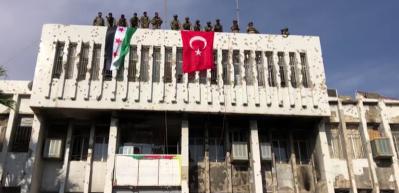 Rasulayn'da belediye binasına Türk bayrağı asıldı