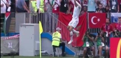 Ronaldo'nun gol sevincinde Türk Bayrağı dikkat çekti
