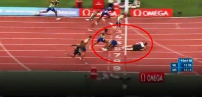 Rus atlet yarışı 'uçarak' kazandı