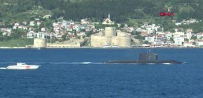 Rus denizaltı 'Kolpino', Çanakkale Boğazı'ndan geçti