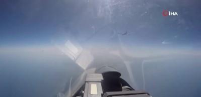 Rus savaş uçağı ABD uçağını engelledi