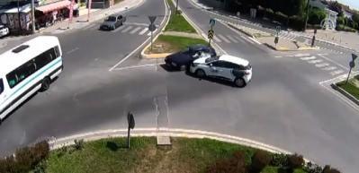 Sakarya'da trafik kazaları MOBESE kameralarına yansıdı