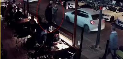 Saldırgan kadın, önce genç kadına ardından erkeğe saldırdı
