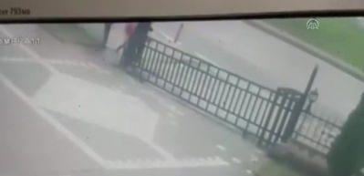 Samsun'da şoke eden görüntü! Küçük kızı kaçırmaya çalıştı