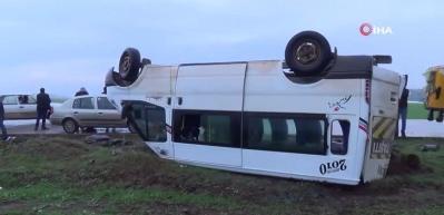 Şanlıurfa'da feci kaza! 13 öğretmen yaralı