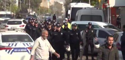 Şanlıurfa'da HDP'liler yine olay çıkardı! Polis: Süpür hepsini