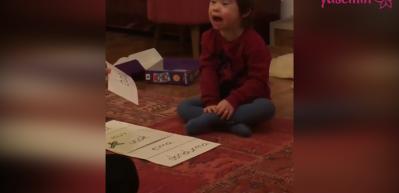 Şarkıcı Özgün oğlunun 'baba' dediği anı paylaştı!