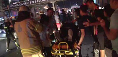 Sefaköy'de bir araç otobüs durağına daldı: 6 yaralı