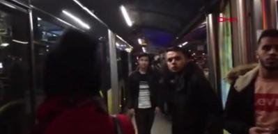 Sefaköy'de Metrobüs arızası; uzun araç kuyrukları oluştu