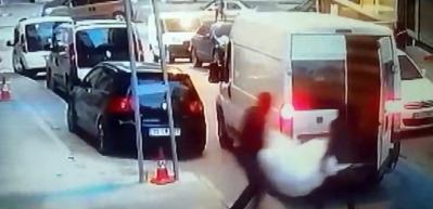 Şok eden hırsızlık.. 8 kişi gelip iş yerini soydular
