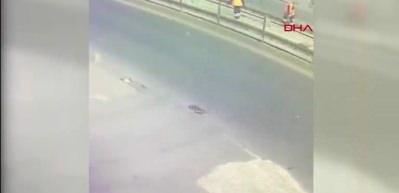Sultangazi'de dehşet! İki tramvay peş peşe çarptı