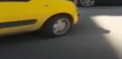 Taksi şoförü kadın sürücüye hakaret edip aracını üzerine sürdü