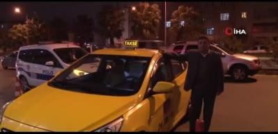 Taksiciden örnek davranış!