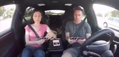 Tesla ile tüm yolu otomatik pilotla gitmek