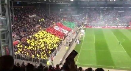 Rezalet! Stadı PKK renkleriyle donattılar ile ilgili görsel sonucu