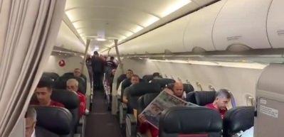 THY'den Milli Takım'a uçak içinde tebrik anonsu