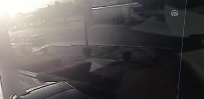 Tırın dorsesi koptu, trafik birbirine girdi