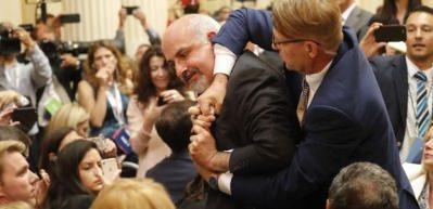 Trump-Putin toplantısında olay