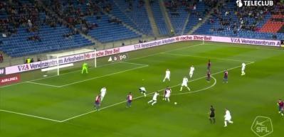 Türk asıllı İsviçreli stoperden muazzam gol!