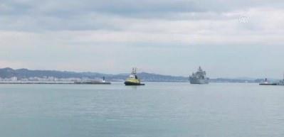 Türk tank çıkarma gemisi TCG Bayraktar Arnavutluk'ta