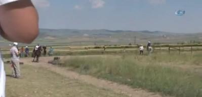 Türkiye'de ilk kez atlı okçuluk spor takımları yarıştı