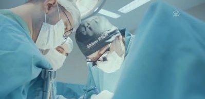 Türkiye'den mezun cerrahlar dünyada bir ilki gerçekleştirdi