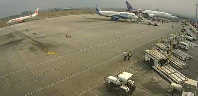 Uçağın düşme anı saniye saniye kamerada!