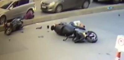 Ümraniye'de feci motosiklet kazası kamerada