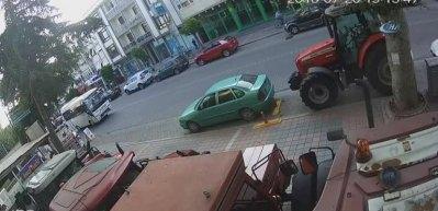 Ünlü iş adamının aracına silahlı saldırı