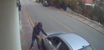Üsküdar'daki silahlı saldırı anı güvenlik kamerasında! Bir anda kurşun yağdırdı