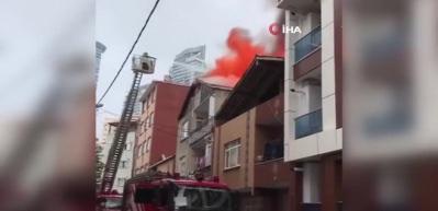 Üsküdar'da korkutan yangın!