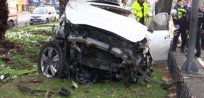Vatan Caddesi'ne hız yapan sürücü aracıyla metrelerce takla attı