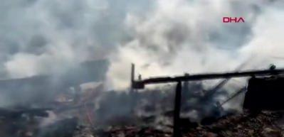 Vezirköprü'de 6 ev yandı